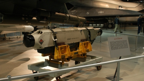 An ALQ-131 ECM Pod, the FA-50 is going to be needing something similar to it, badly. Photo courtesy of Wikipedia Commons.