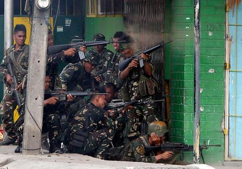 The pathetic state of the Philippine Army Regular soldiers revealed in this photo during the Zamboanga Crisis. Photo courtesy of Erik de Castro thru Reuters.