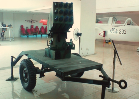 Front view of the locally made Sumpak Rocket Launcher. Photo courtesy of Wikimedia Commons.