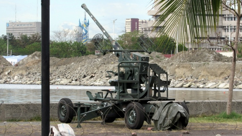 A Bofors 40 mm L60 Gun of the Philippine Marines mounted on a towable platform. This would likely be the initial main gun for our Tarlac-class ships. Photo courtesy of Wikimedia Commons.