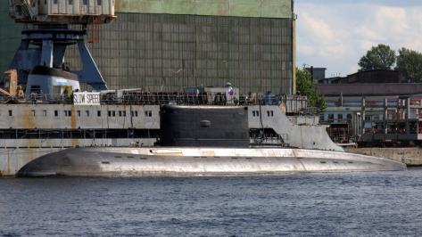 An Improved Kilo class Submarine of the Algerian Navy. Photo courtesy of Wikimedia Commons.